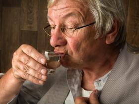 Up to 40% of older patients indulge in risky drinking