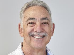 Dr Alan Leeb