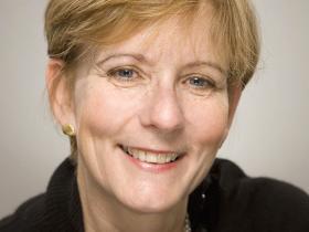 Dr Lisa Sanders
