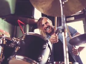 drummer loud music