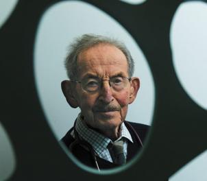 Dr Neville Rothfield