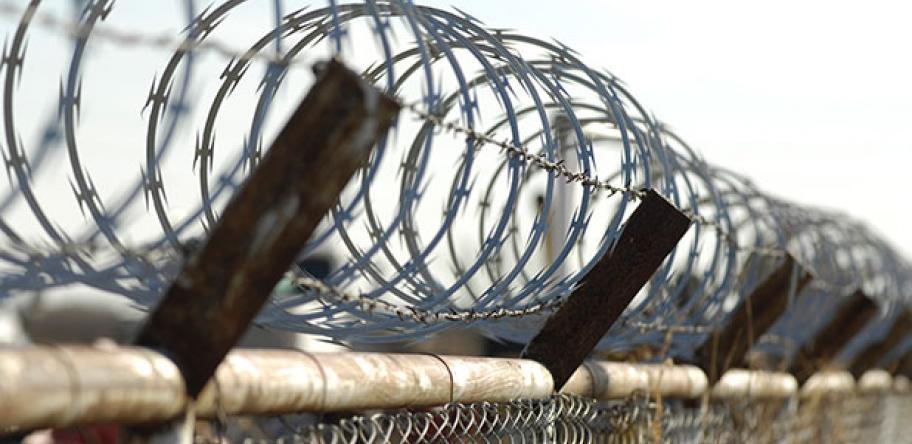 refugees in detention